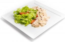 Салат с куриной грудкой и карбонатом