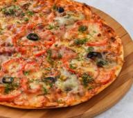 Пицца с языком и беконом, 550 гр.
